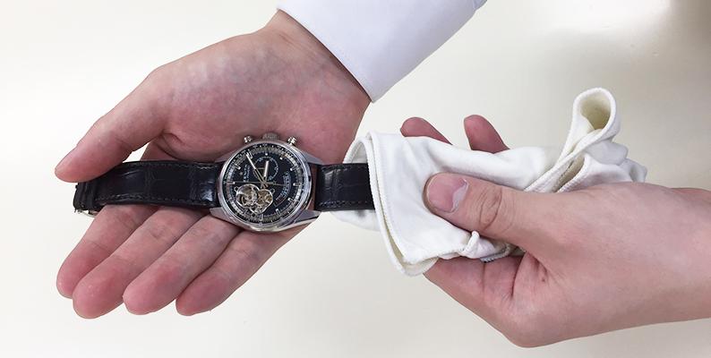 腕時計 セルフケア 革ベルト