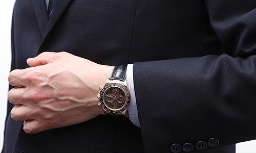 best loved defbe e5053 デイトナ 116515LN 革ベルトVSラバーベルト徹底比較! | 腕時計 ...