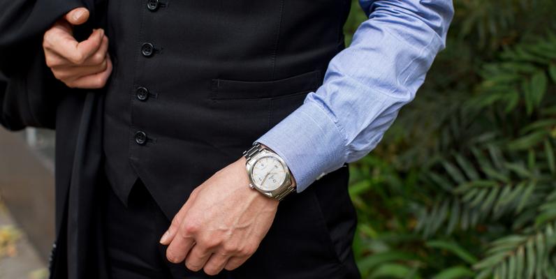 時計に使われる外装素材の特性と注意点