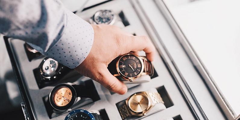 腕時計の最適な保管方法とは?お勧めの収納ケースも紹介!
