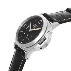 パネライ ルミノール 1950 3デイズ GMT パワーリザーブ オートマティック アッチャイオ PAM01321