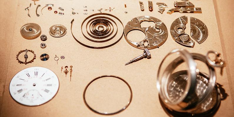 腕時計のぜんまいとは?歴史や役割,最先端テクノロジーを徹底解説!